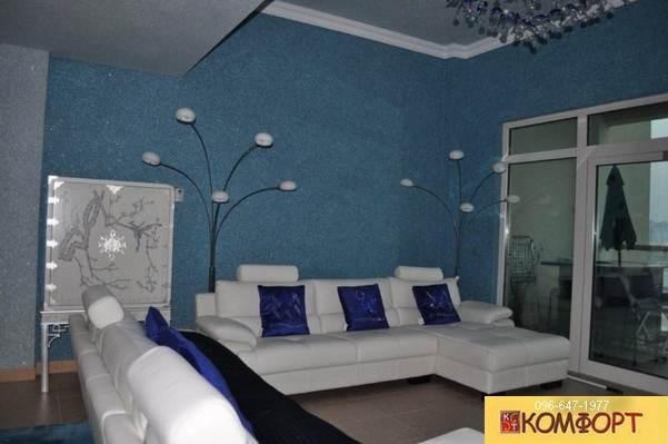 Жидкие обои в зал голубого и синего цвета
