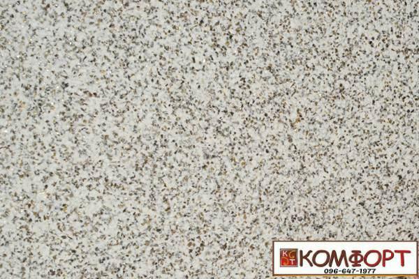 Образец жидких обоев Экобарвы серии Мика бежевого цвета с средней крошкой