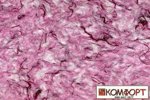 Образец жидких обоев Стиль белого цвета с добавлением окрашенного волокна в бордовый, розовый цвет