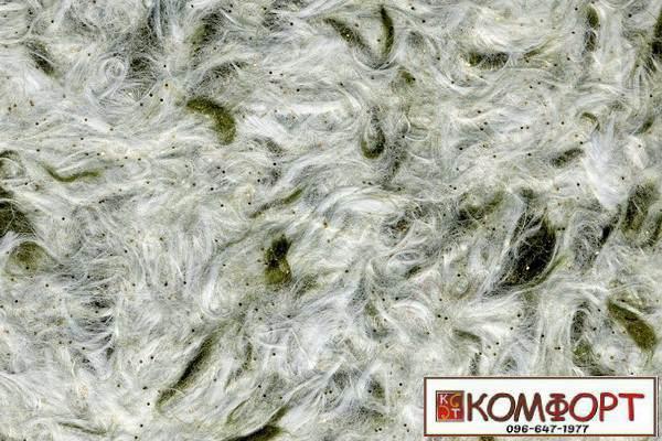 Образец жидких обоев Стиль белого цвета с добавлением блесток и окрашенного волокна в оливковый цвет